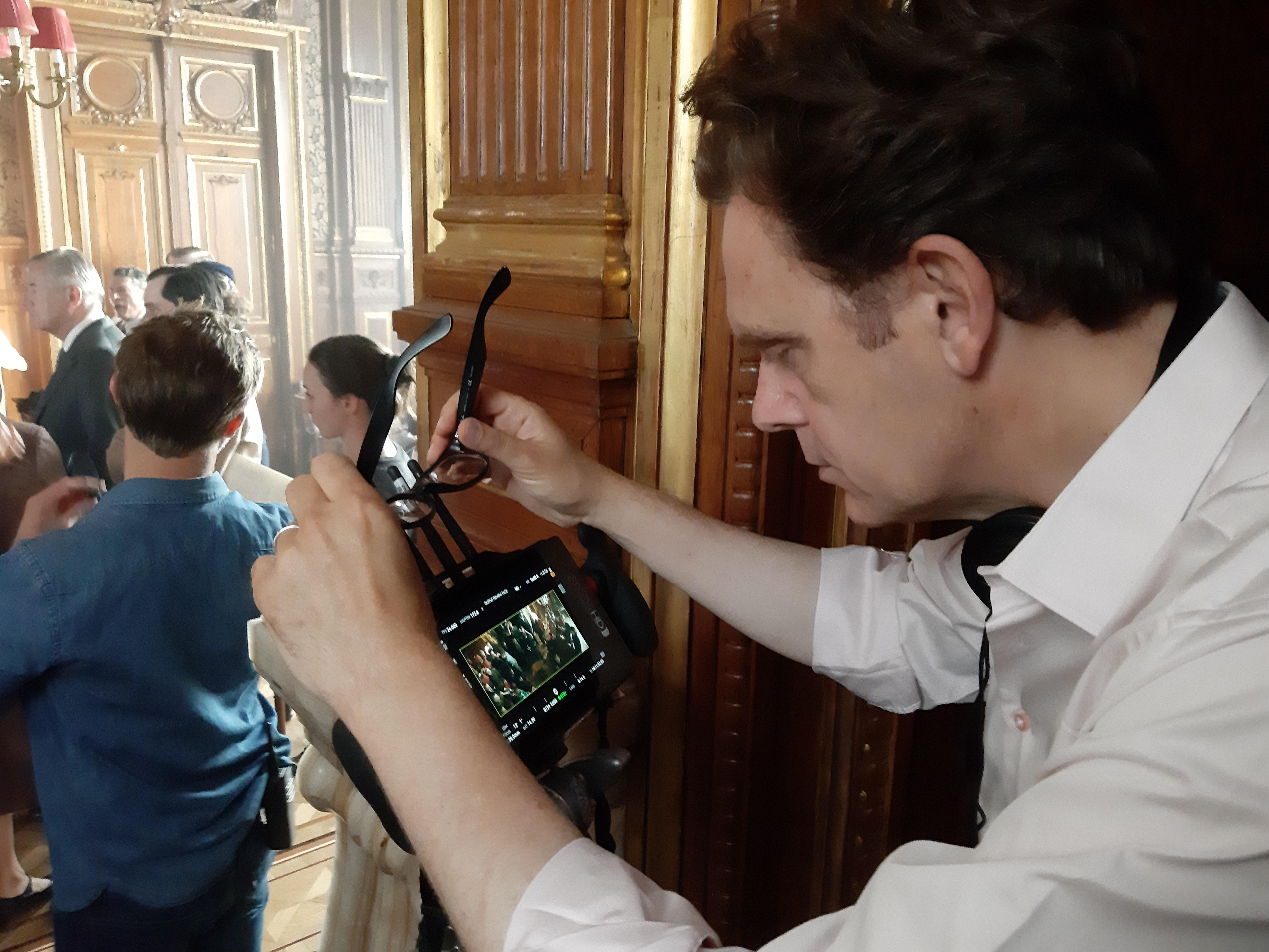 Quand Gabriel Le Bomin reçoit Inflexions sur le tournage de son De Gaulle